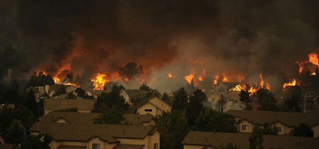 An entire neighborhood burns near the foothills of Colorado Springs