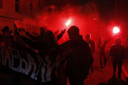 Anarchists burn flares and hold banners in Moscow 12-4-11