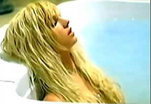 A dead Britney in a bath from suicide video