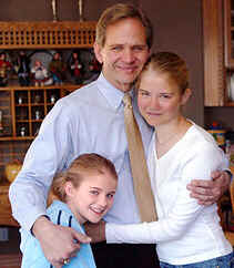 Elizabeth Smart with her father, Ed, and Mary Katherine, left