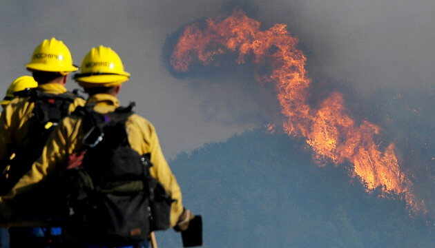 Firefighters watch wildfire spread through Los Padres National Forest