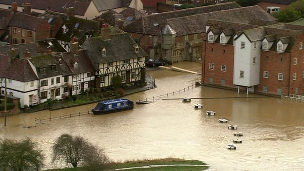 Flooding in Tewkesbury, Gloucestershire as rivers burst their banks