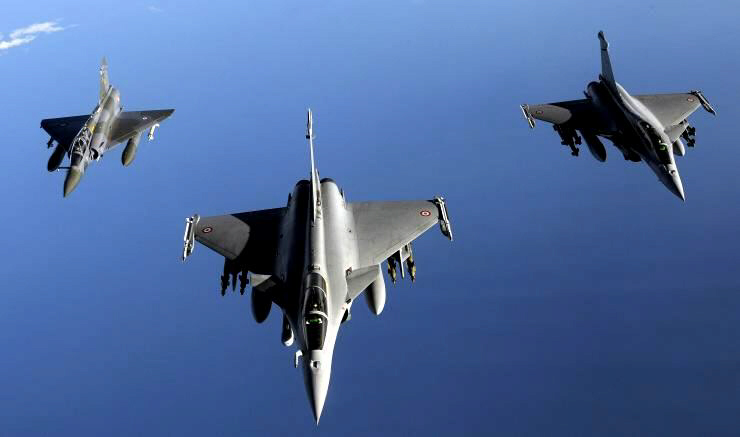 France launches airstrikes against IS in Syria