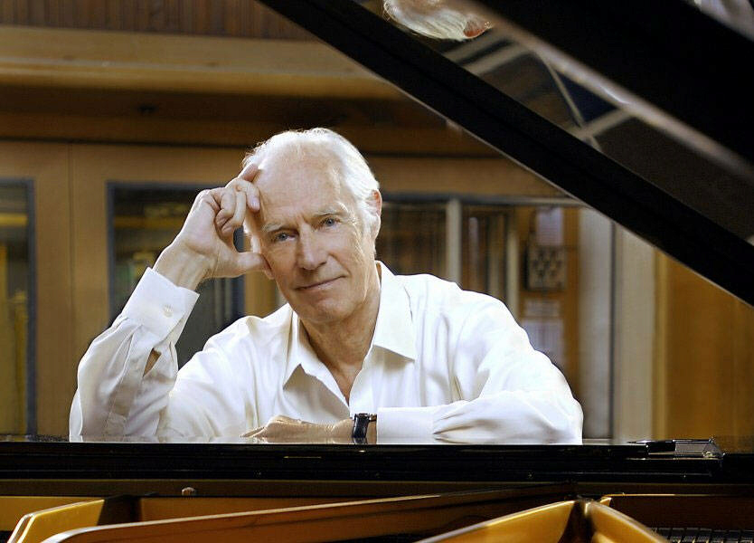 Sir George Martin passes away at age 90