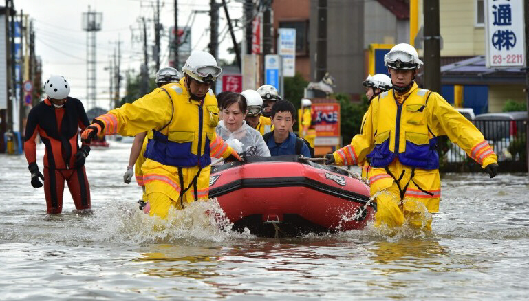 Heavy floods cause havoc in Japan