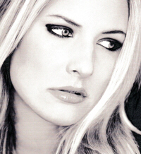 Country singer Holly Williams