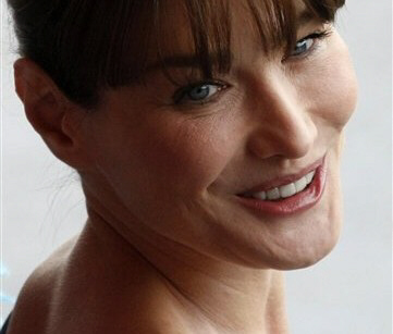 "Iranian paper says Carla Bruni ""deserves to die"""