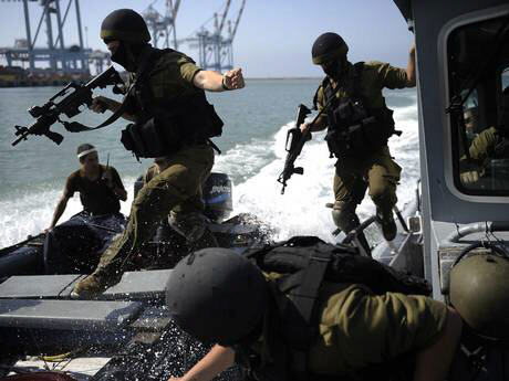 Israeli navy soldiers prepare for possible war on northern front
