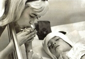 Jayne Mansfield visits comatose son, Zoltan Hargitay, in late November 1966.