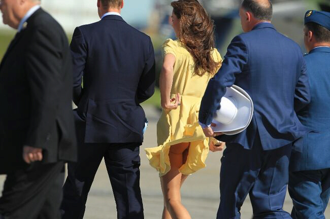 Kate, Duchess of Cambridge, has Marilyn moment