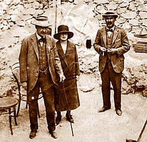 Lord Carnavon with his daughter Evelyn, and Howard Carter