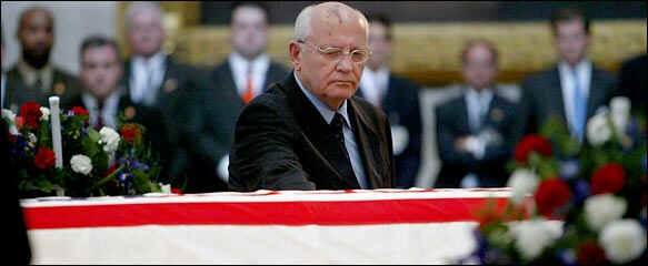 Mikhail S. Gorbachev pauses at coffin of President Ronald Reagan