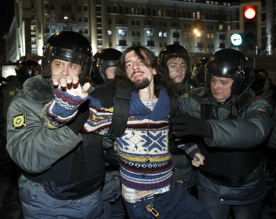 Moscow police detain activist December 6, 2011