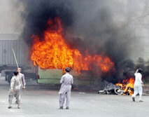 Rioters start fires in Pakistan unrest