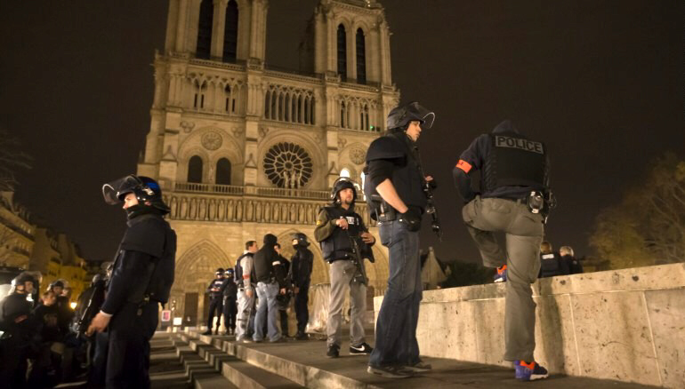 Police patrol area around Notre Dame cathedral