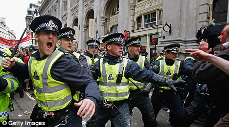 Police prevent protesters from accessing the RBS