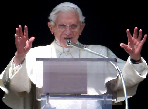 Pope Benedict delivers his final Angelus Blessing
