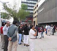 Residents and Employees evacuate buildings on 2006-08-011 Mexico's Quake
