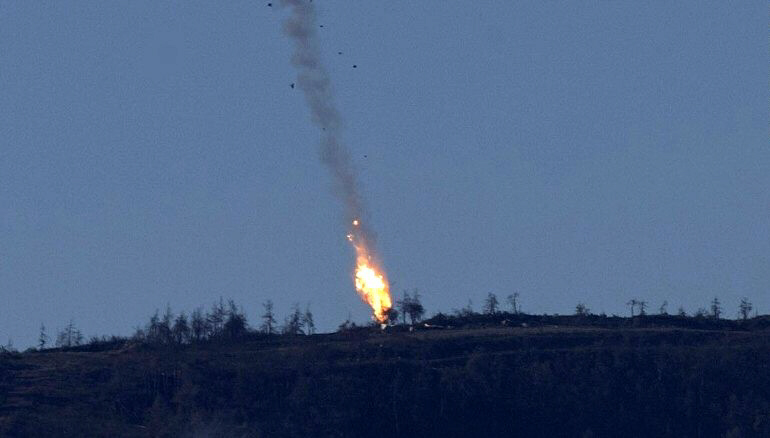 Russian warplane crashes on Turkey-Syria border