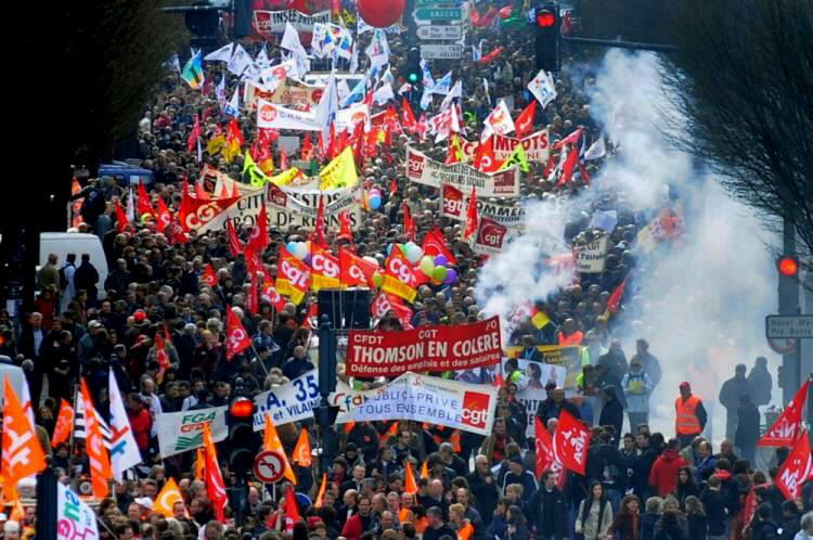 Several thousand people demonstrate on March 23, 2010 in Rennes