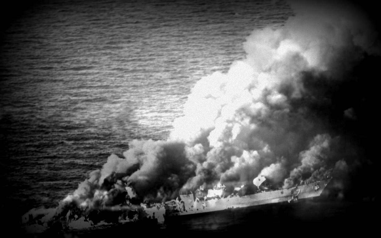 Sinking of US aircraft carrier in the Pacific