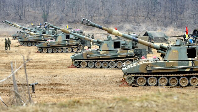 South Korean marines man K-55 self-propelled howitzers