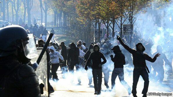 Tear gas and riots in French cities
