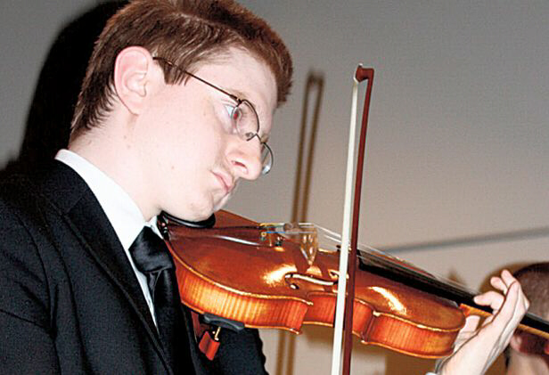 Tyler Clementi, student outed as gay on internet, jumps