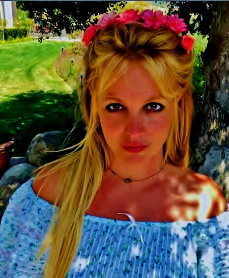 "Britney Spears is the ""New Rose"""
