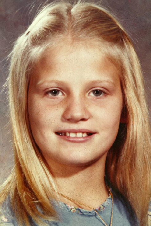 Victim 12-year old Robin Samsoe was abducted, raped, and strangled to death after which her body was dumped to be scavenged by wild animals.