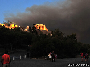 Wall of smoke surrounds the Acropolis